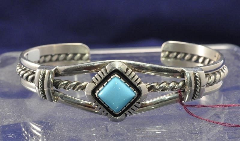 08 Jewelry New Contemporary Navajo Indian Bracelet Traditional One Turquoise Setting Square Cut 2011