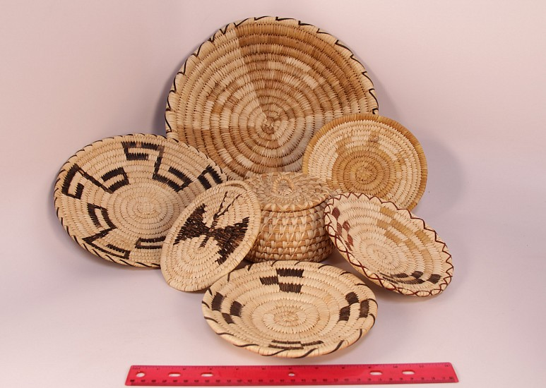 "02 - Indian Baskets, Group of SEVEN (7) Papago/Tohono O'Odham Baskets: Mid-20th century (up to 13"" d) Mid-20th century, Yucca and Devil's claw"