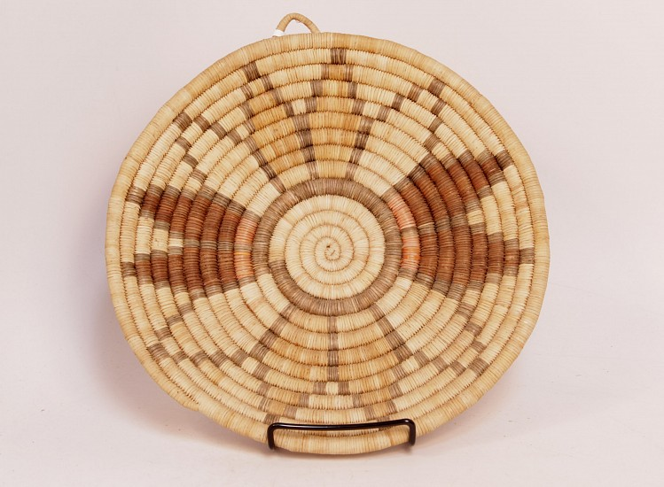 "02 - Indian Baskets, Hopi Basketry: Mid-20th Century Coiled Tray, Floral Motif (11"" d) Mid-20th century"