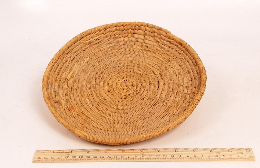 "02 - Indian Baskets, Antique Mission Basket: c. 1910 Tray, Mint Condition (10"" d) c. 1910, Juncus and Sumac"