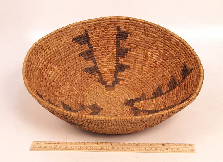 "02 - Indian Baskets, LARGE & MINT Antique S. CA Mission Indian Basketry: c. 1910 Polychrome Tray (4.5"" ht x 14"" d) c. 1910, Willow and Devil's claw"
